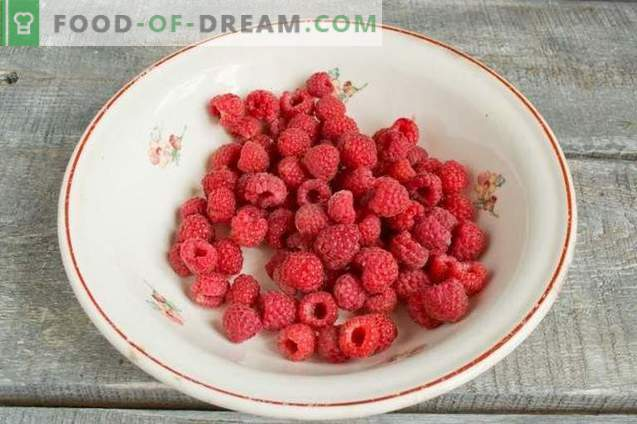 Compota de frutas sortidas - sabor do jardim de verão
