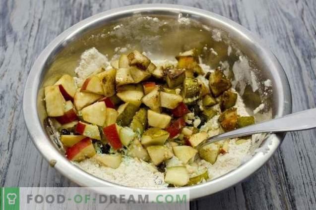 Bolo de frutas com maçãs, peras e nozes