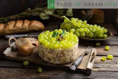 Salada nutritiva com frango picante e uvas