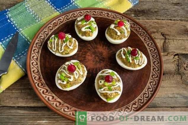 Simple egg snack with mushroom pate