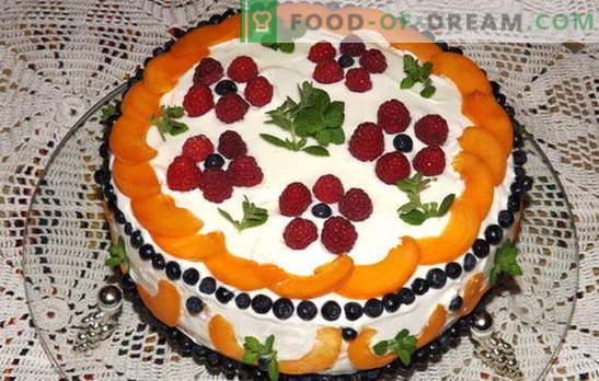 Bolo de creme de leite com fruta - felicidade de um dente doce! Receitas smetannyh bolo com frutas: biscoito, geléia, sem fermento