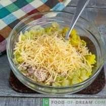 Salada de fígado de bacalhau simples e saborosa com arroz dourado