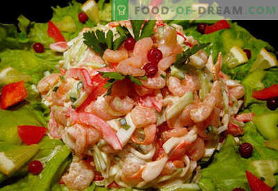 Salad with shrimps and squid - proven cooking recipes. How to cook a salad with shrimp and squid.