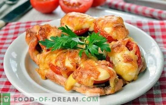 Costeletas de frango no forno - excepcionalmente delicioso! Cozinhar costeletas de frango no forno com cogumelos, legumes, queijo
