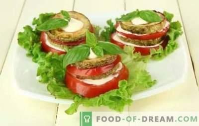 Lanche de Abobrinha com Tomate é um prato original feito de produtos simples! Petiscos comprovados de abobrinha com tomates: frite, deixe ferver e assar
