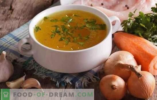 O caldo de galinha transparente é a base de sopas deliciosas e bonitas. Como aliviar o caldo de frango e carne em casa