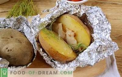 Batatas com bacon no forno em papel alumínio - um gosto da infância! Foto-receita detalhada para cozinhar batatas com banha de porco assada em folha