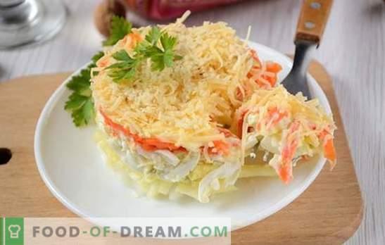 Salada francesa com cenoura: porção, bonita e saborosa. Foto-receita do autor de salada de culinária passo-a-passo em francês com cenouras, ovos, maçãs e nozes