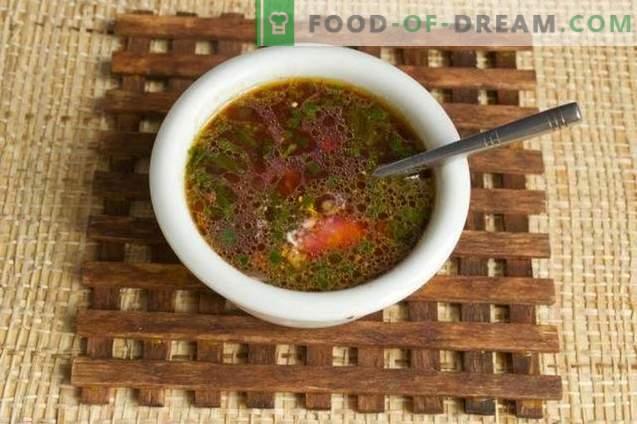 Sopa de beterraba com repolho roxo