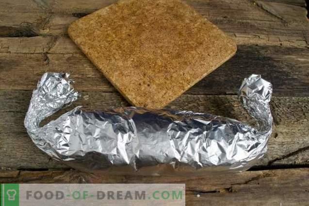 Šokolado dešra su migdolais ir bananais