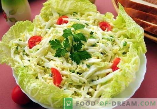 Zeljena solata z jajcem - prvih pet receptov. Pravilno kuhanje in okusna solata z zeljem in jajcem.