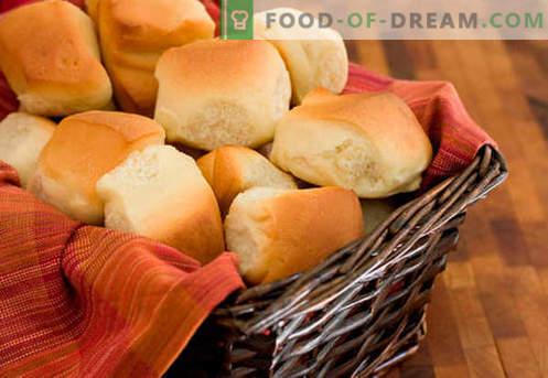 Bolos de fermento são as melhores receitas. Como corretamente e saboroso cozinhar pãezinhos de massa de fermento em casa