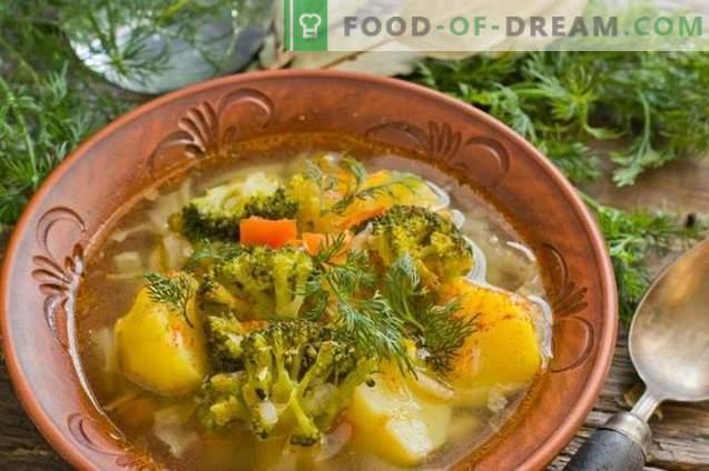 Deliciosa sopa magra com batatas e brócolis