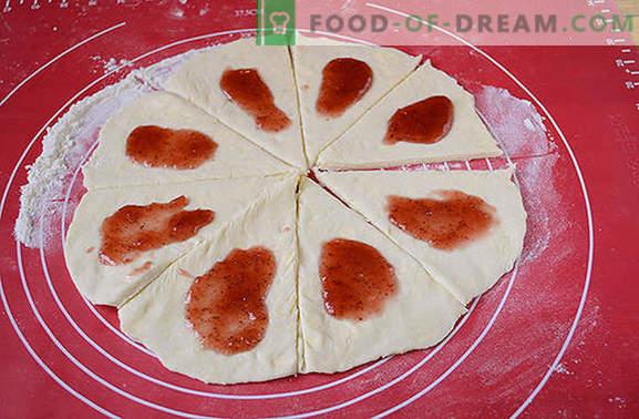 Котлетки със сладко: домашно приготвени сладкиши винаги са щастливи! Авторска стъпка по стъпка фото рецепта на ролца от тесто от сирене с плътно сладко