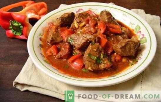 Goulash de porco em uma panela - carne tenra em um molho! Receitas de goulash de carne de porco delicioso em uma panela com legumes