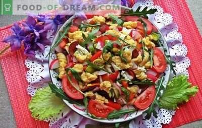 Saladas festivas sem maionese - elas não machucam a figura! Receitas de carne, legumes, saladas de cogumelos sem maionese para a mesa de férias