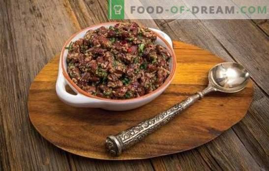 Lobio em um fogão lento, uma receita para um menu magro e casual. Como cozinhar lobio em um fogão lento com frango, carne picada, carne de porco
