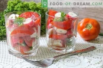 Lanches instantâneos de tomate em 15 minutos - a beleza, o sabor e os benefícios dos vegetais de verão