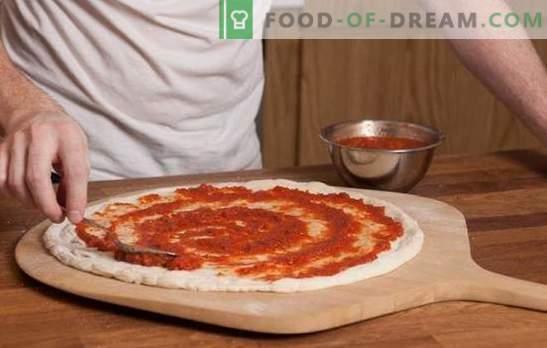 Molho de tomate para pizza é a base da torta italiana! Receitas de molhos de tomate para pizza a partir de tomates, massas, alho, azeitonas