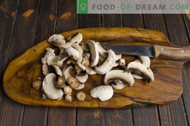 Carne de frango de estilo francês com champignons e batatas