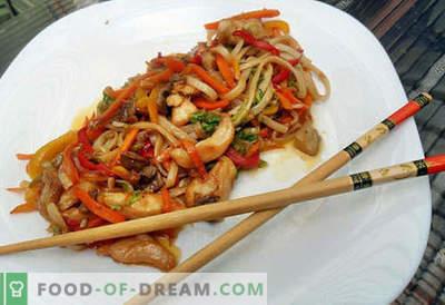 Macarrão Udon são as melhores receitas. Como cozinhar corretamente e saboroso macarrão udon em casa.
